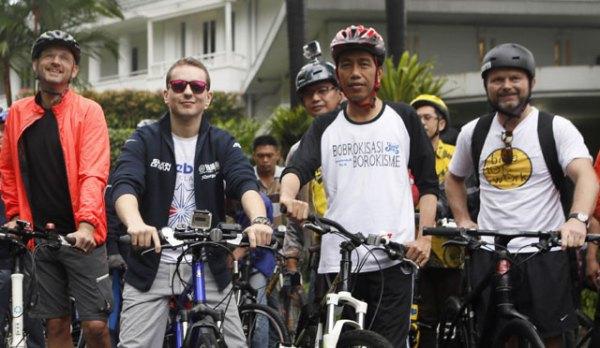 Gowes Jokowi Lorenzo