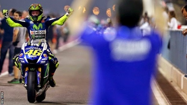 Valentino Rossi wins Qatar MotoGP 2015